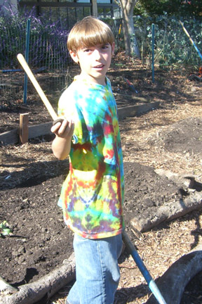 Young volunteer from Live Oak pitches in.